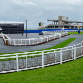 Main courante PVC grillagée - The Curragh