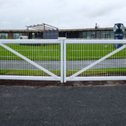 Main courante PVC grillage, The Curragh, Ireland
